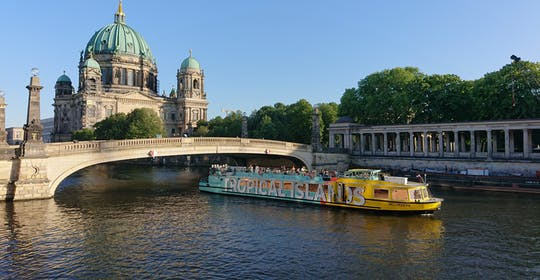 Spree Flusskreuzfahrt durch Ostberlin