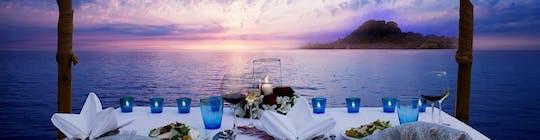 Privé romantisch diner bij kaarslicht voor een stel