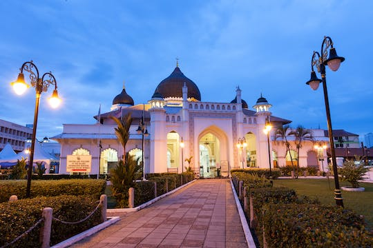 Top seven wonders of Penang private city tour