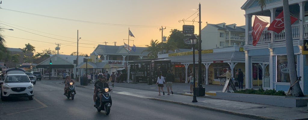 Cocktailspaziergang zur Sunset Celebration am Key West Mallory Square