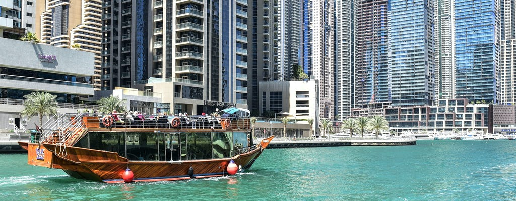 Cruzeiro em dhow com jantar real na Marina de Dubai com traslado opcional