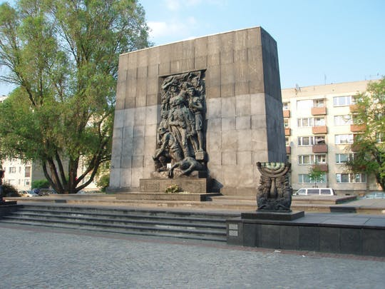 Warsaw World War II history and facts private walking tour