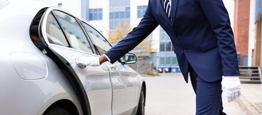 Auto per l'intera giornata a disposizione a Mascate con autista
