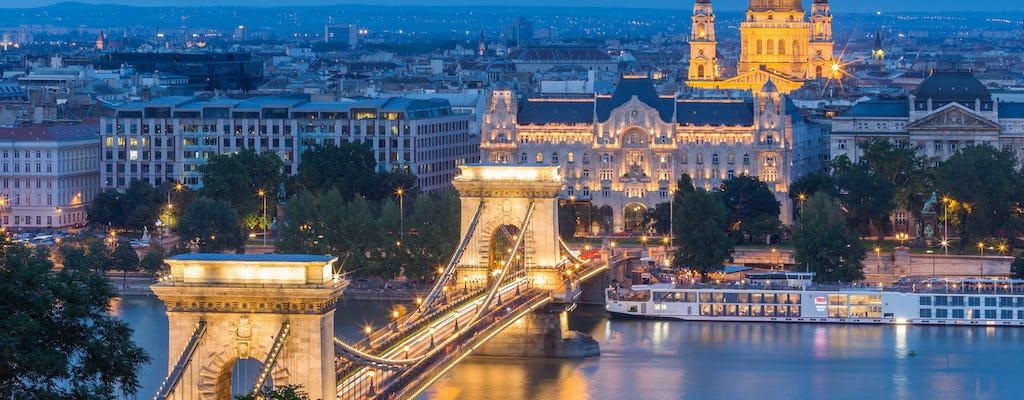 Passeio a pé pelo Castelo de Buda e cruzeiro no rio à noite em Budapeste