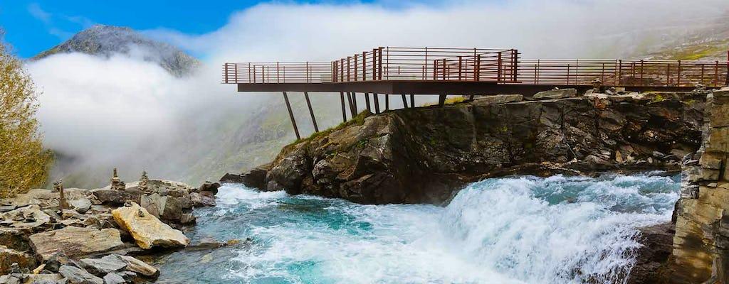 Visite a Troll Road e a Troll Wall de Åndalsnes