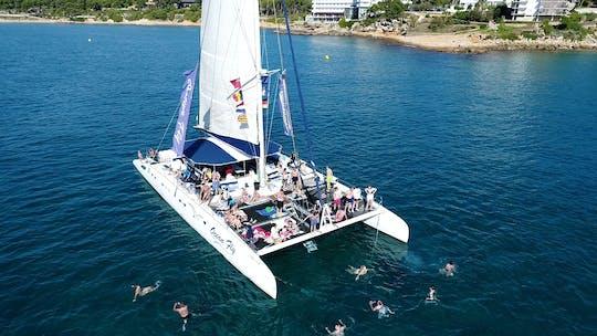 Experiencia de día completo en catamarán en Cambrils