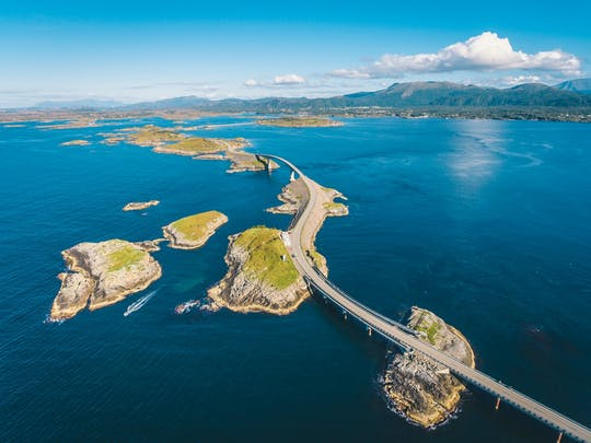 Guida l'avventurosa strada dell'Oceano Atlantico da Molde