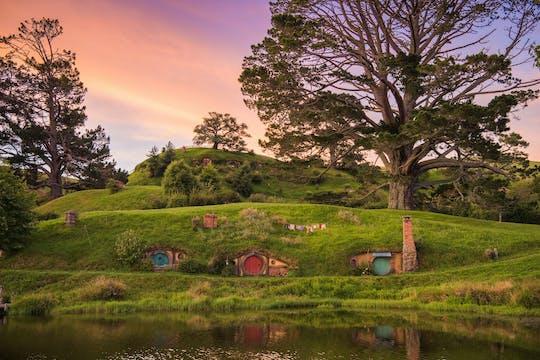Experiência na Terra Média - cenário do filme Hobbiton e vale geotérmico Te Puia