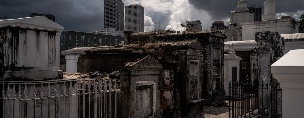 The New Orleans haunted cemetery city bus tour
