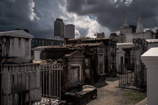 Recorrido en autobús por el cementerio embrujado de Nueva Orleans