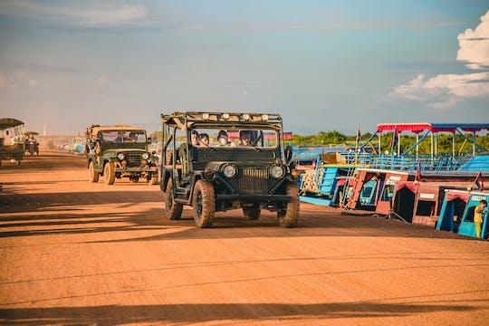 Исследование плавучей деревни на 4WD и экскурсия на лодке на закате