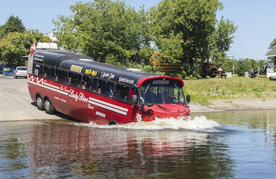 1-hour Amphibus guided tour in Ottawa