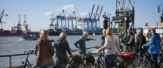 Private guided bike tour along river Elbe in Hamburg