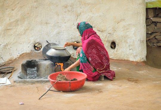 Aula de culinária em Jodhpur e refeição com uma família local