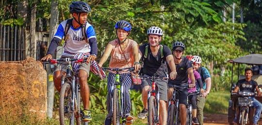 Passeio de bicicleta de meio dia em Siem Reap