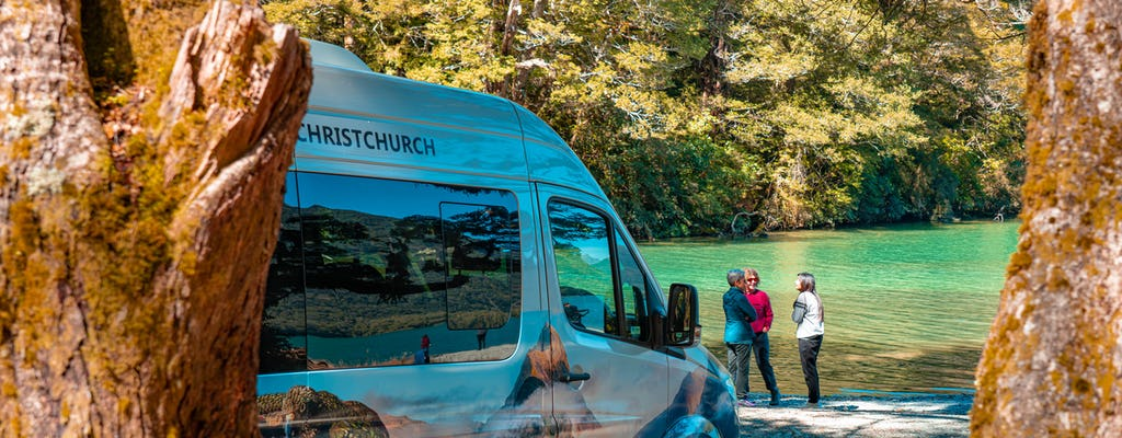 Milford Sound tour and Boutique cruise with picnic lunch from Queenstown