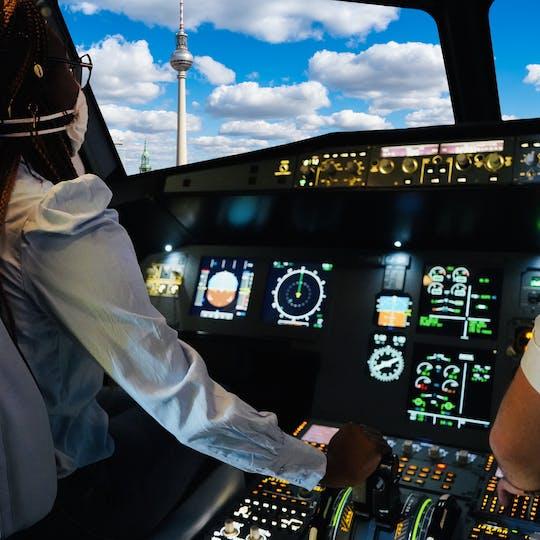 Airplane flight simulator experience in Nice