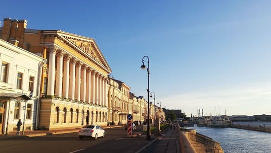 St. Petersburg audio-guided walking tour: from Admiralty to New Holland