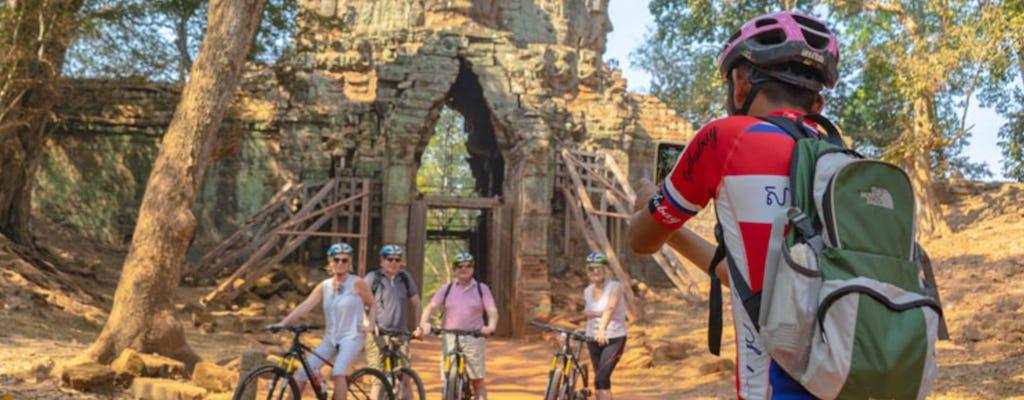Ciclismo de día completo y amanecer en Angkor Wat