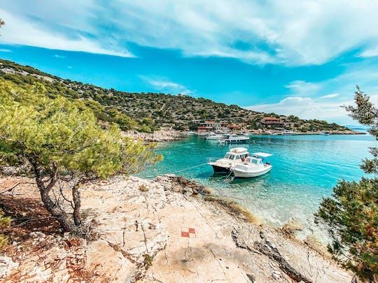 Wycieczka po wyspach łodzi motorowych na archipelagu Šibenik