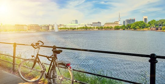 Private guided bike tour along the Alster Hamburg