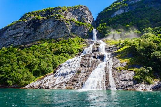 Viaje privado de un día completo a Geirangerfjord desde Ålesund