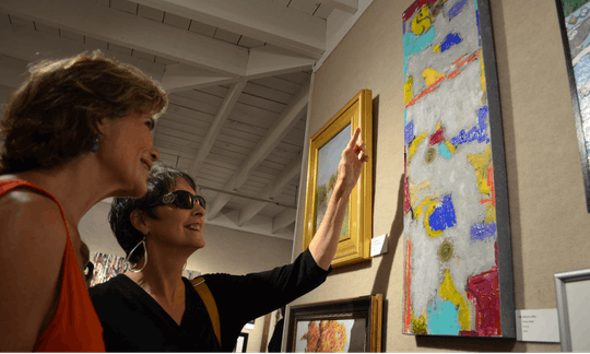 Art gallery tour with wine & appetizers in Sarasota