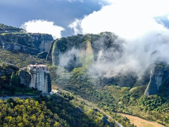 Small-group hiking tour of Meteora