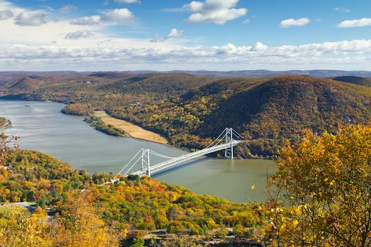 Private Hudson Valley fall foliage helicopter charter from Manhattan (4-5 People)
