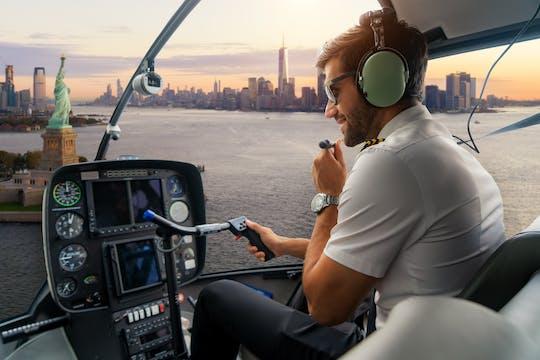 Passeio de helicóptero particular para casal em Nova York saindo de Manhattan com brinde com champanhe