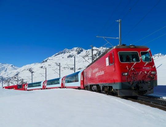Excursion privée d'une journée à bord du train panoramique Glacier Express au départ d'Interlaken