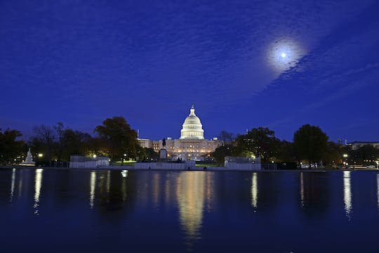 Tour of Washington's National Mall at night by electric car