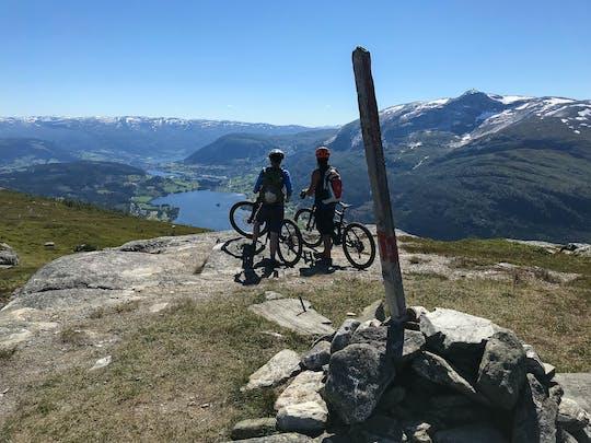 A experiência de mountain bike Grand Traverse em Voss