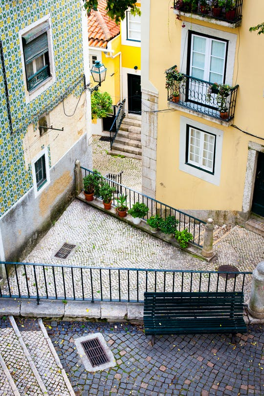 Alfama Iconic Insiders small-group photography tour with a local guide