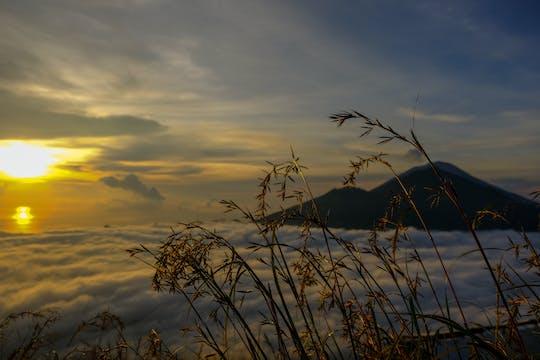 Mount Batur Sonnenaufgangswanderung und natürliche heiße Quelle