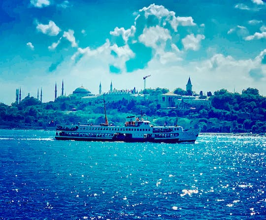 The taste of Asian Istanbul and Kadikoy private STEP walking tour