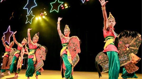 Taniec kultury malezyjskiej z kolacją w formie bufetu i wizytą w Chinatown