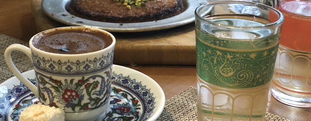 Sabores da parte europeia de Istambul e tour STEP privado a pé por Taksim