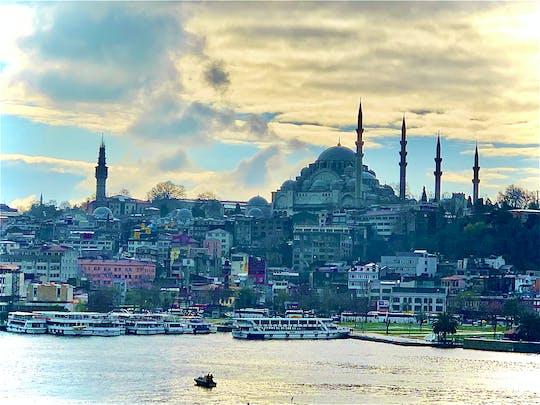 Tour STEP privado a pé pelos dois continentes e pelas ruas secundárias de Istambul