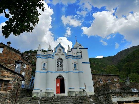 Excursão de dia inteiro às aldeias da Serra da Estrela saindo de Coimbra