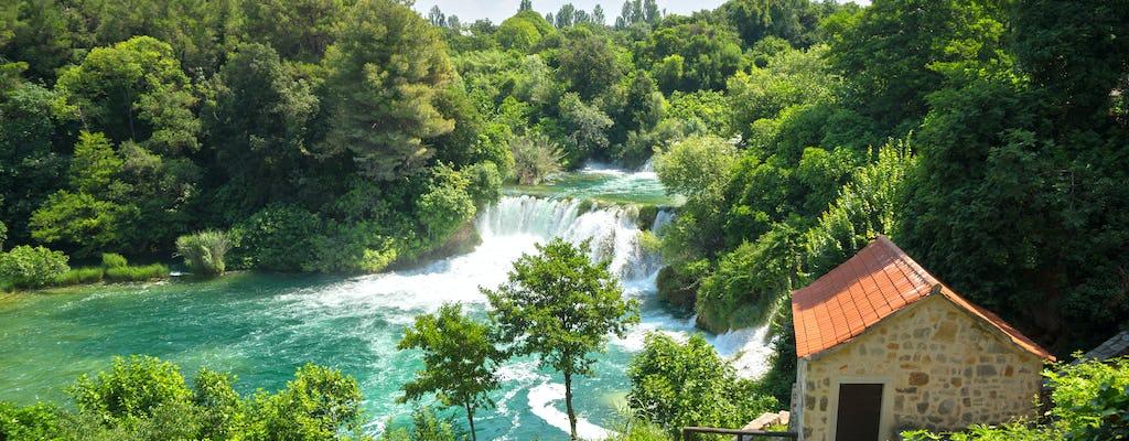Excursão de dia inteiro às cachoeiras Šibenik e Krka saindo de Trogir