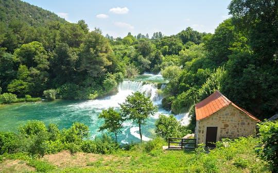 Całodniowa wycieczka do wodospadów Šibenik i Krka z Trogiru