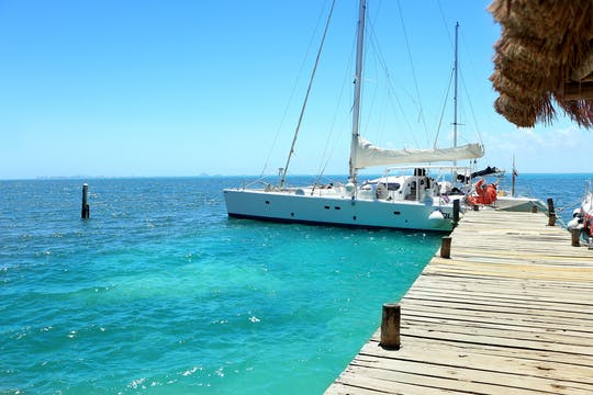 Isla Mujeres catamaran from Cancun without transportation