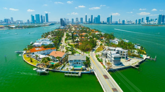 Miami sightseeing cruise of South Beach, Biscayne Bay, & Venetian Islands