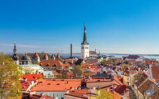 Poszukuj złomiarzy na Starym Mieście w Tallinie za pomocą telefonu
