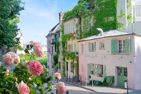 Montmartre sightseeing audio tour on mobile app