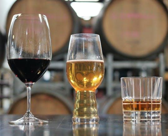 Tour pela cervejaria, vinícola e destilaria de Canberra