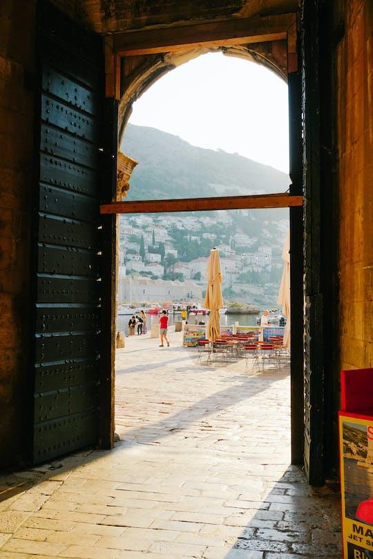 Das Erwachen von Dubrovnik und der erste Morgenkaffee
