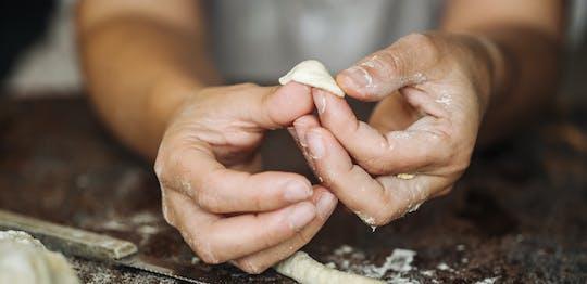 Orecchiette- und Focaccia-Kochkurs in einem apulischen Bauernhaus