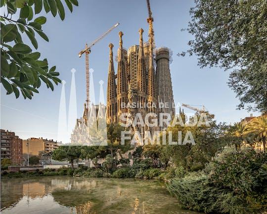 Sagrada Família Iconic Insiders Kleingruppentour mit lokalem Guide